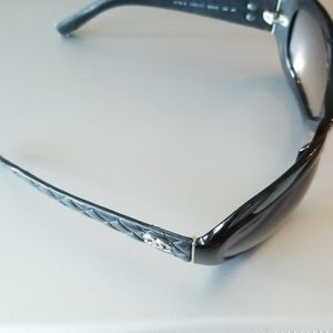 CHANEL Black Quilt Style Vintage Sunglasses Italy